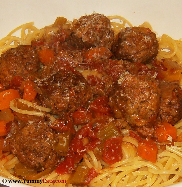 Recipe for Traditional Spaghetti and Meatballs, comfort food made in your Slow Cooker.